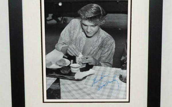 #16-Elvis Presley 8×10 Signed Photograph