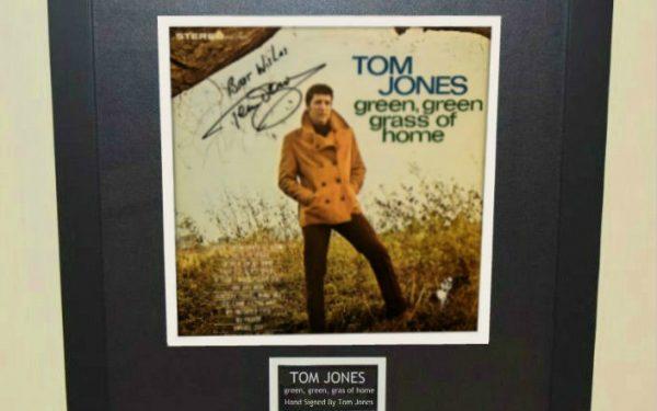 Tom Jones – green, green grass of home