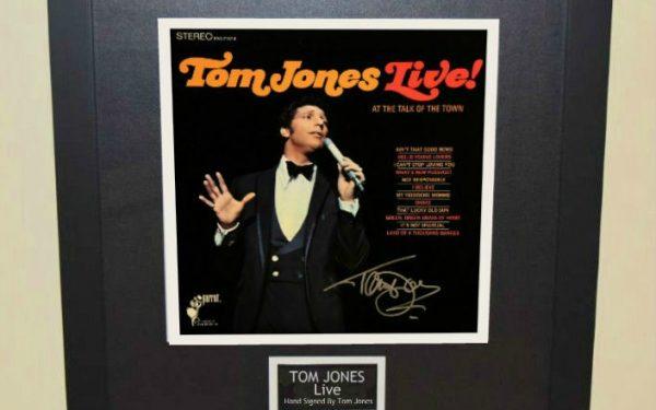 Tom Jones – Live