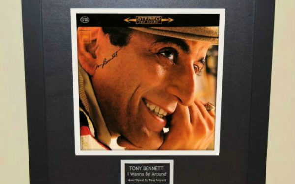 Tony Bennett – I Wanna Be Around