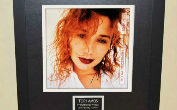 Tori Amos – Professional Widow