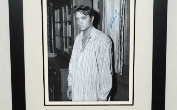 #19-Elvis Presley 8×10 Signed Photograph