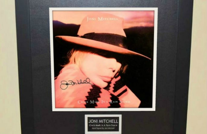 Joni Mitchell – Chalk Mark In A Rain Storm