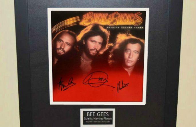 Bee Gees- Spirits Having Flown