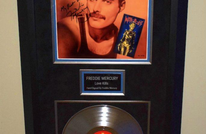 Freddie Mercury – Love Kills