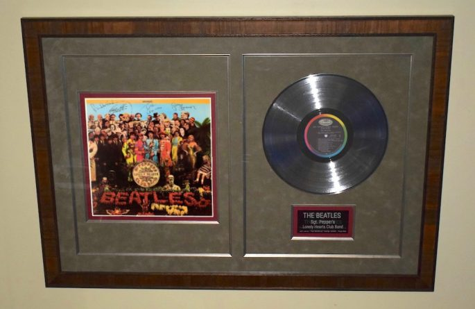 Beatles -Sgt. Pepper's Lonely Hearts Club Band