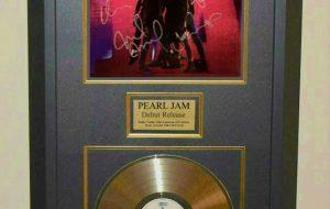 Pearl Jam – Debut