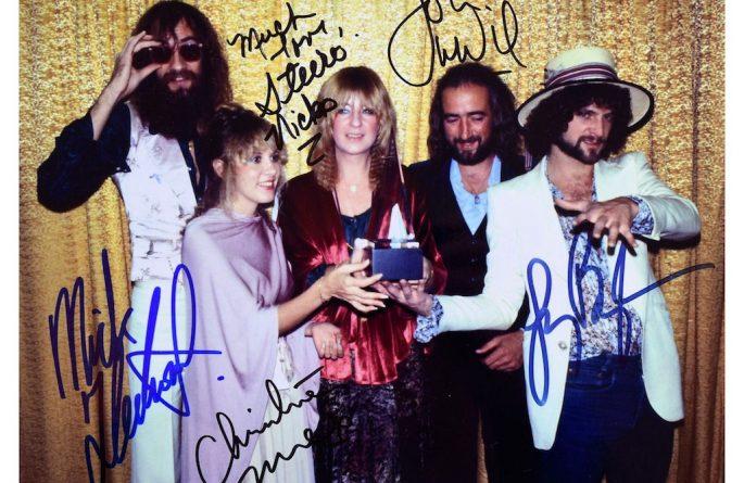 Fleetwood Mac Signed 8×10 Photograph