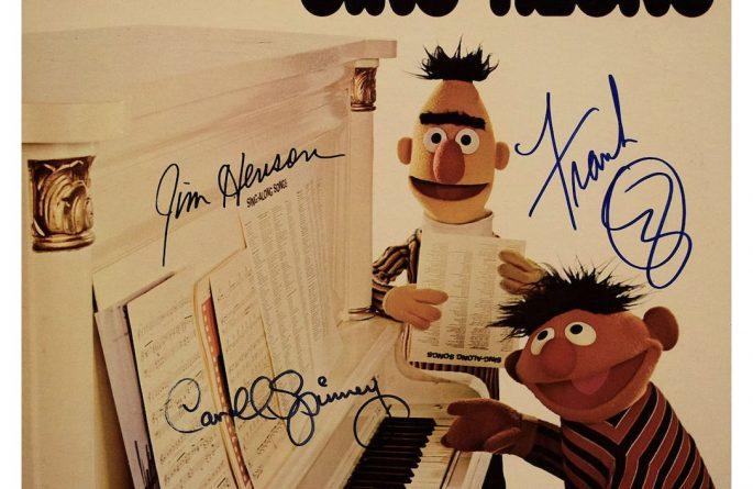 Sesame Street – Bert & Ernie Sing-Along