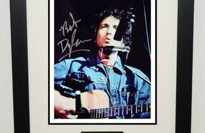 #1-Bob Dylan Signed 8×10 Photograph
