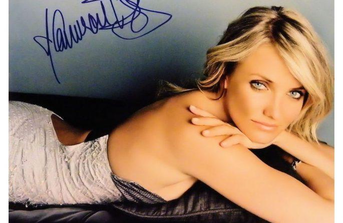 Cameron Diaz Signed Photograph