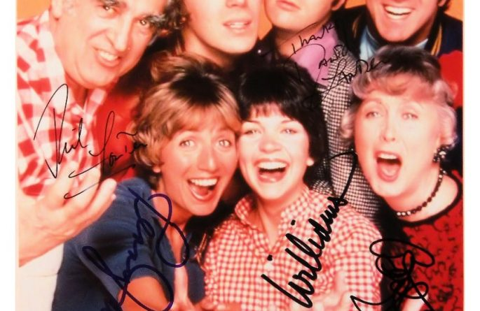 Lavern and Shirley Signed Photograph
