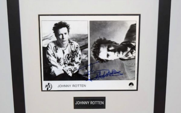 #2-Johnny Rotten Signed 8×10 Photograph