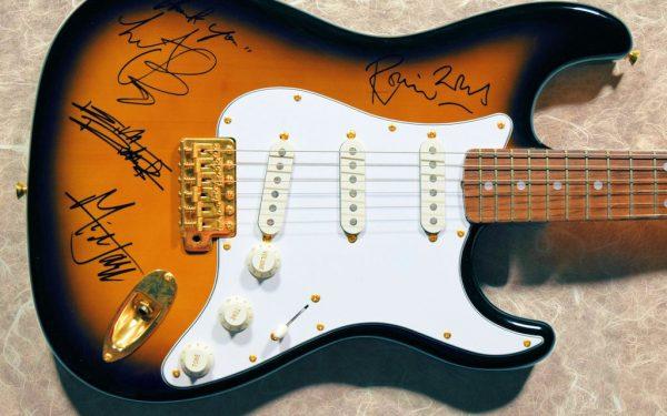 Rolling Stones – Sunburst Fernandes Guitar