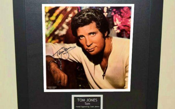Tom Jones – Tom