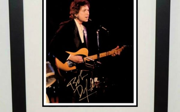 #17-Bob Dylan Signed 8×10 Photograph